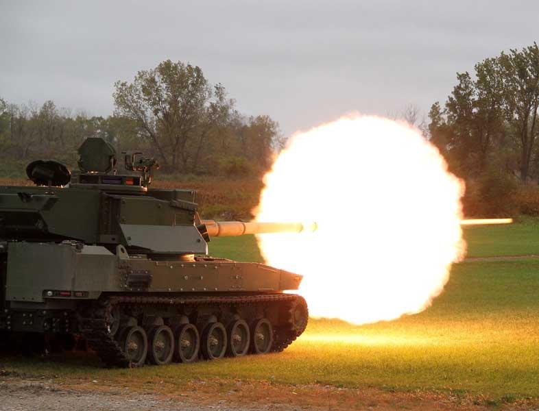 主砲を発射するジェネラル・ダイナミクスのMPFデモンストレーター「グリフィンII」(画像:General Dynamics)