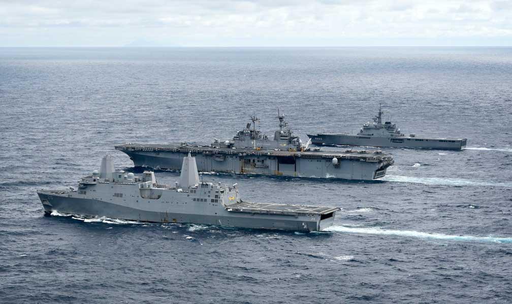 日本近海で陸海自衛隊とアメリカ海軍が共同訓練を実施