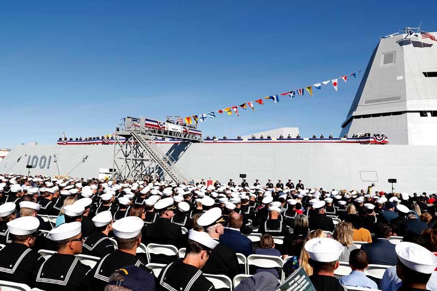 異形のステルス駆逐艦 ズムウォルト級2番艦「マイケル・モンスーア」が就役