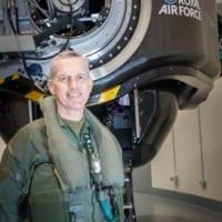 参謀総長自らGを体験! イギリス空軍の最新高G訓練センター開…