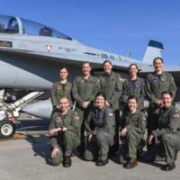 史上初!アメリカ海軍女性パイロットのみによる先輩女性パイロッ…