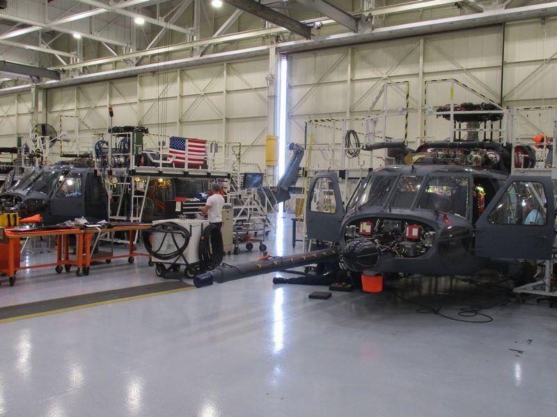 アメリカ空軍の新型救難ヘリHH-60Wの試作機組み立て終了 飛行試験へ