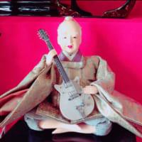 ひな祭りフェス開催!?ギターをもった雛人形が意外としっくり