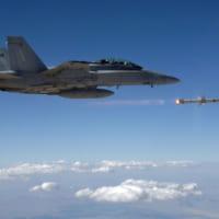 アメリカ海軍が次世代対レーダーミサイル「AARGM-ER」の…
