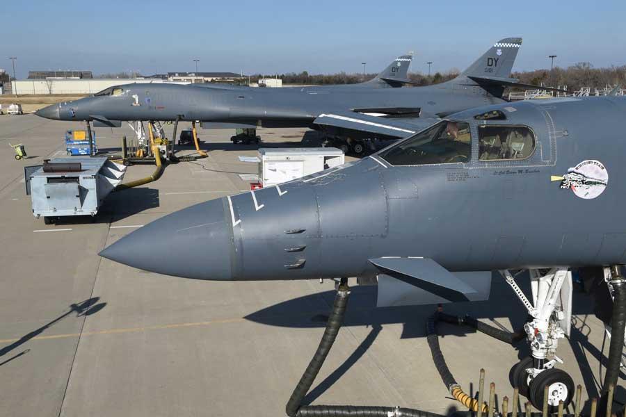 アメリカ空軍のB-1B爆撃機が不具合で全機飛行停止