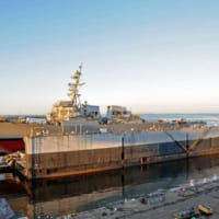 日本近海で民間船と衝突したアメリカ駆逐艦 船体の修理を終え2…