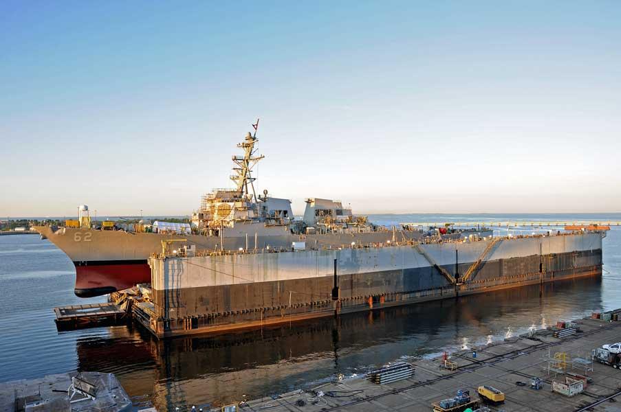 日本近海で民間船と衝突したアメリカ駆逐艦 船体の修理を終え2年ぶりに海へ