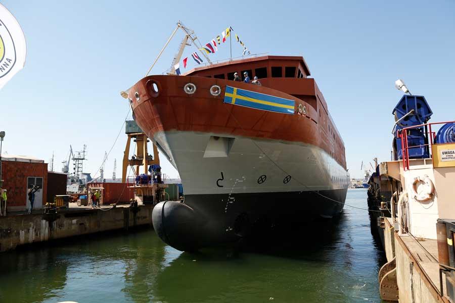 ロシアの動向を探るスウェーデン海軍の新しい情報収集艦「アルテミス」進水
