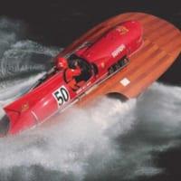 世界唯一!フェラーリF1エンジン搭載のスピード記録ボートが動…