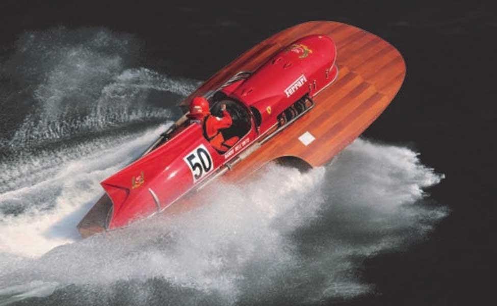 世界唯一!フェラーリF1エンジン搭載のスピード記録ボートが動態復元