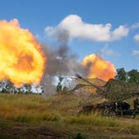 155mmりゅう弾砲の初射撃も!陸上自衛隊がオーストラリアで…
