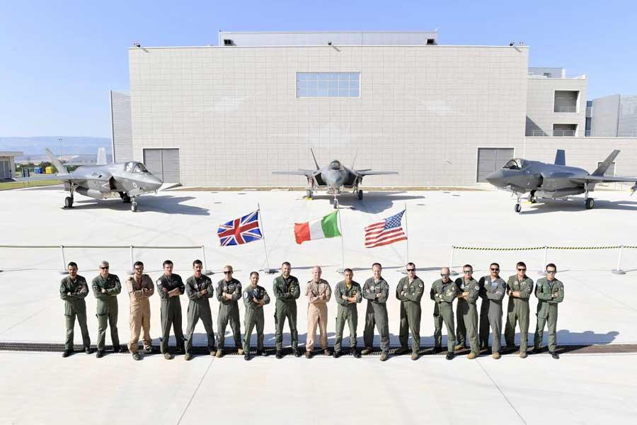 アメリカ イギリス イタリア3か国のF-35が初の共同訓練
