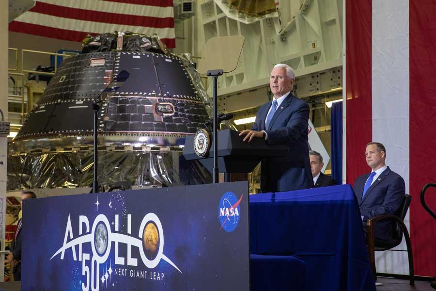 アポロ11号50周年の日にNASAの新宇宙船オリオン1号機初公開