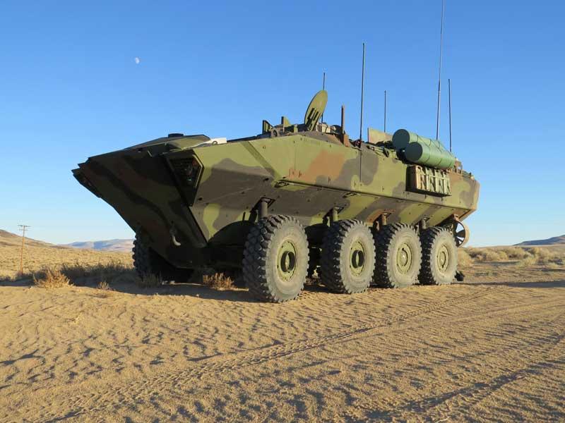 アメリカ海兵隊の新型水陸両用車 指揮通信型と火力支援型の開発発注