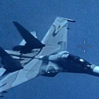 アメリカ海軍情報収集機 ベネズエラ空軍のスクランブルを受ける