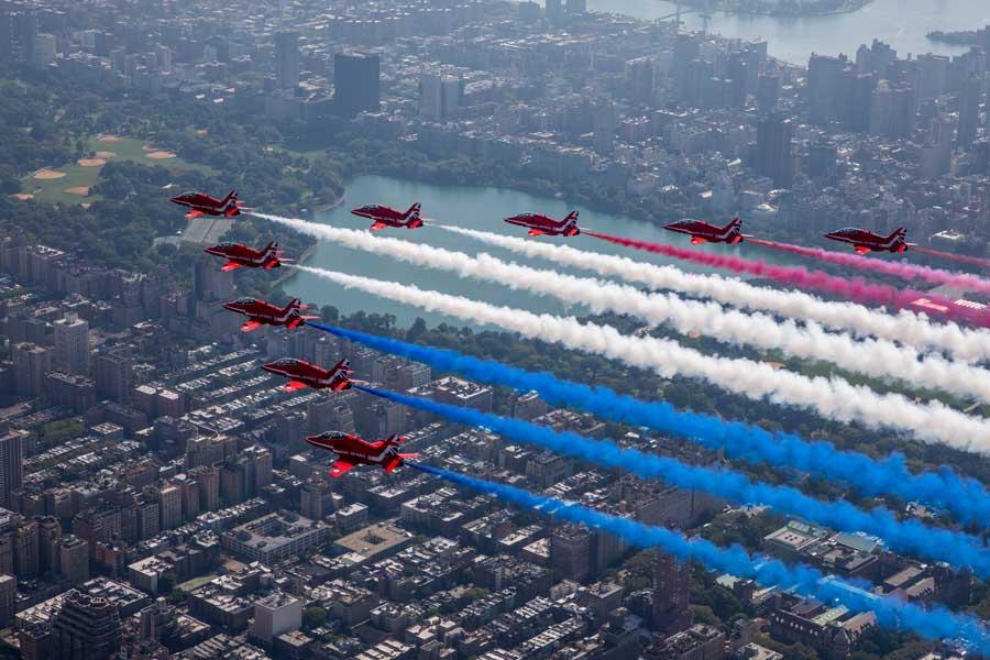 イギリス空軍レッドアローズ北アメリカツアー アメリカ空軍とニューヨーク上空で共演