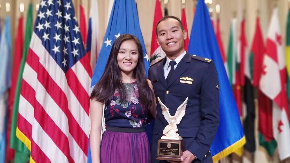 シンガポール空軍士官 アメリカ空軍指揮幕僚課程の優秀学生賞を初受賞