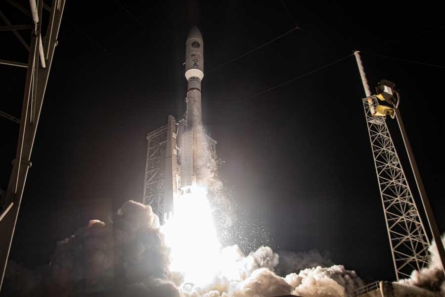 アメリカ軍の新型通信衛星AEHF-5打ち上げ成功