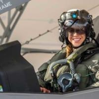 アメリカ海兵隊に初の女性F-35Bパイロット誕生 山口県の…