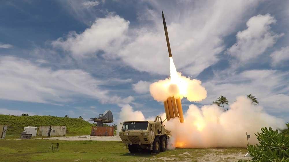 THAAD迎撃ミサイル 離れた場所の無人ランチャーからミサイル迎撃に成功
