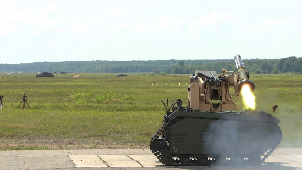 対戦車戦闘も無人の時代へ 無人車両からの対戦車ミサイル発射に成功
