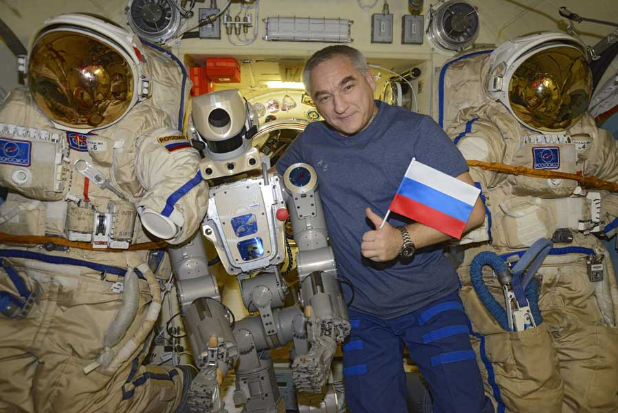 ロシアのロボット宇宙飛行士Skybot F-850 国際宇宙ステーションでの活動開始