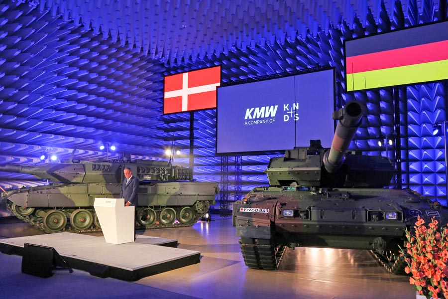 ドイツとデンマーク 最新戦車レオパルト2A7Vを受領