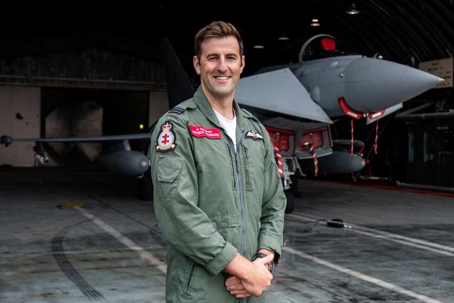 ヴァージンの空中発射ロケット母機 イギリス空軍の戦闘機パイロットを採用