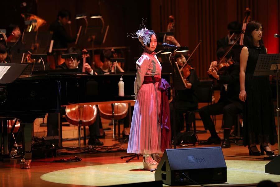 悠木碧の1stオーケストラコンサート「レナトス」池袋で開催 新曲「Unbreakable」も披露