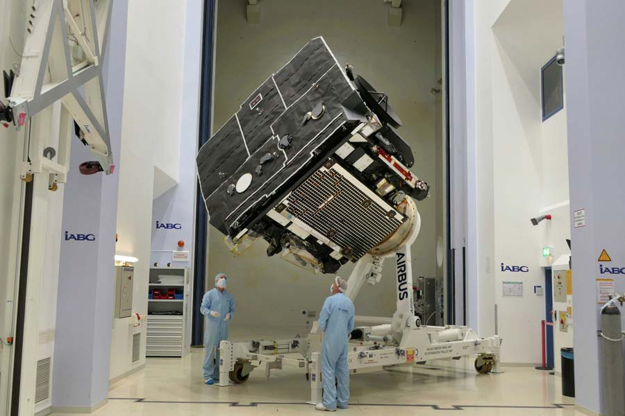 ヨーロッパの太陽観測機「ソーラー・オービター」完成 打ち上げ地フロリダへ