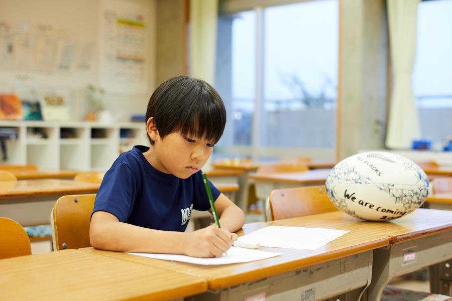 ラグビーワールドカップ「柏ハカ」の少年 オールブラックスに宛てた英語の手紙が新聞広告に