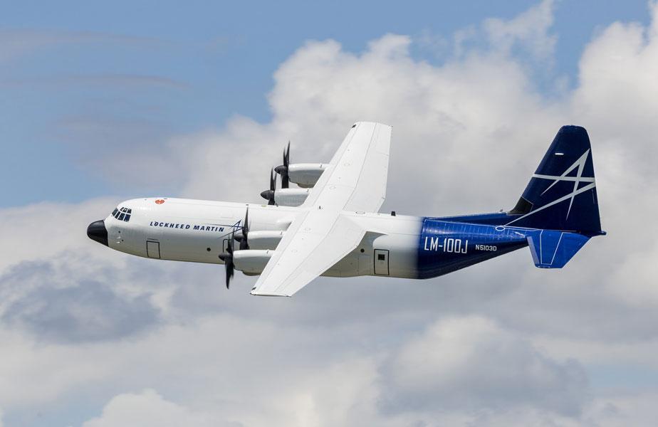 軍用輸送機C-130Jの民間型LM-100J アメリカの型式証明を取得