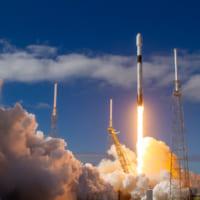 高速ネット通信衛星網「スターリンク」第1陣60機の打ち上げ…