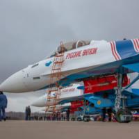 ロシア空軍アクロバットチームが最新戦闘機Su-35Sに機種…