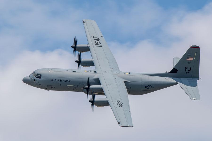 軍用輸送機C-130Jの民間型LM-100J アメリカの型式証明を取得 - 記事 ...