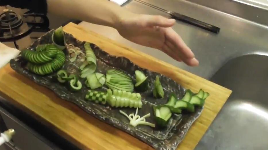 繊細なきゅうりの飾り切り 日本料理の「粋」を感じる美しさに心酔