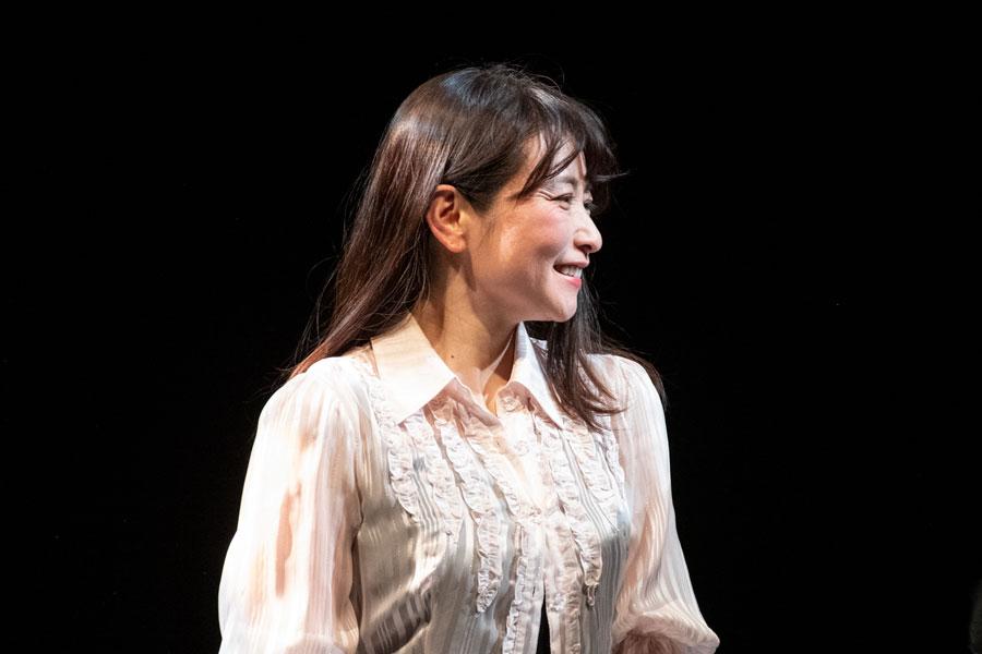 舞台女優引退の小室友里 最後の公演「女囚175 part2 更生」を追う