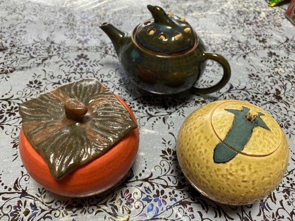 果物モチーフの急須セットに一目ぼれする人続出 趣味の陶芸作品が大反響