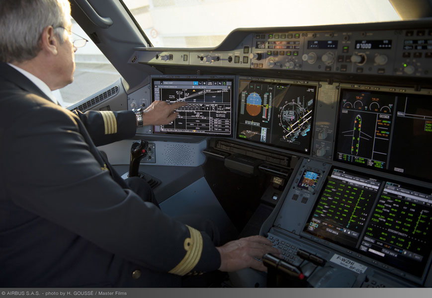スマホ感覚で操作可能!エアバスA350XWBコクピットにタッチスクリーン採用