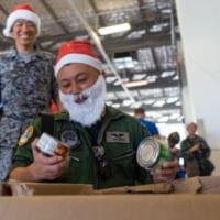 航空自衛隊もサンタコスで参加!恒例の人道支援「クリスマス・…