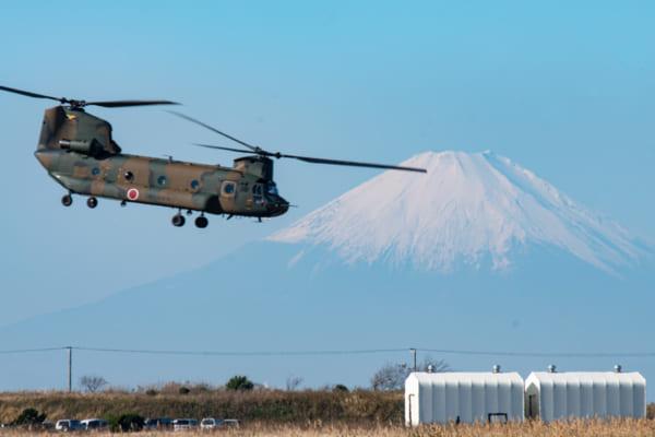 陸上自衛隊最大の航空科部隊が空を舞う!木更津駐屯地航空祭2019