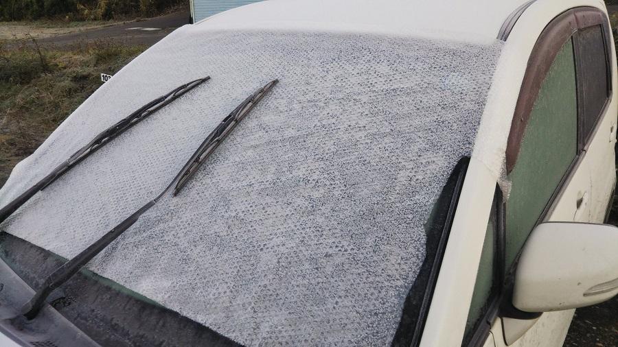 車の窓の霜対策にプチプチ 雪国ライフハックに関心あつまる
