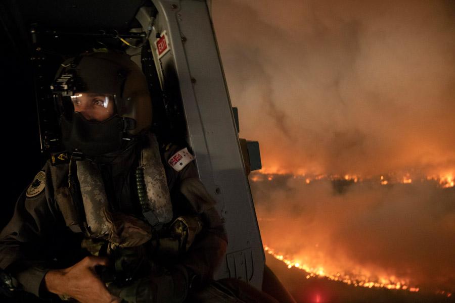 オーストラリア原野火災 軍も総力上げて被災者救援に奮闘中
