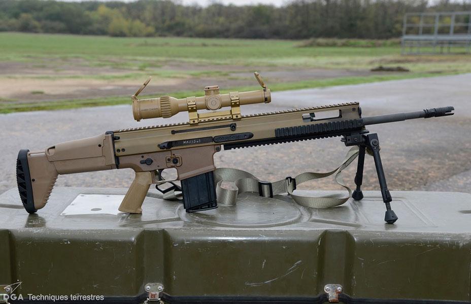 フランス軍 新スナイパーライフルSCAR-H PRとグロック17拳銃調達開始