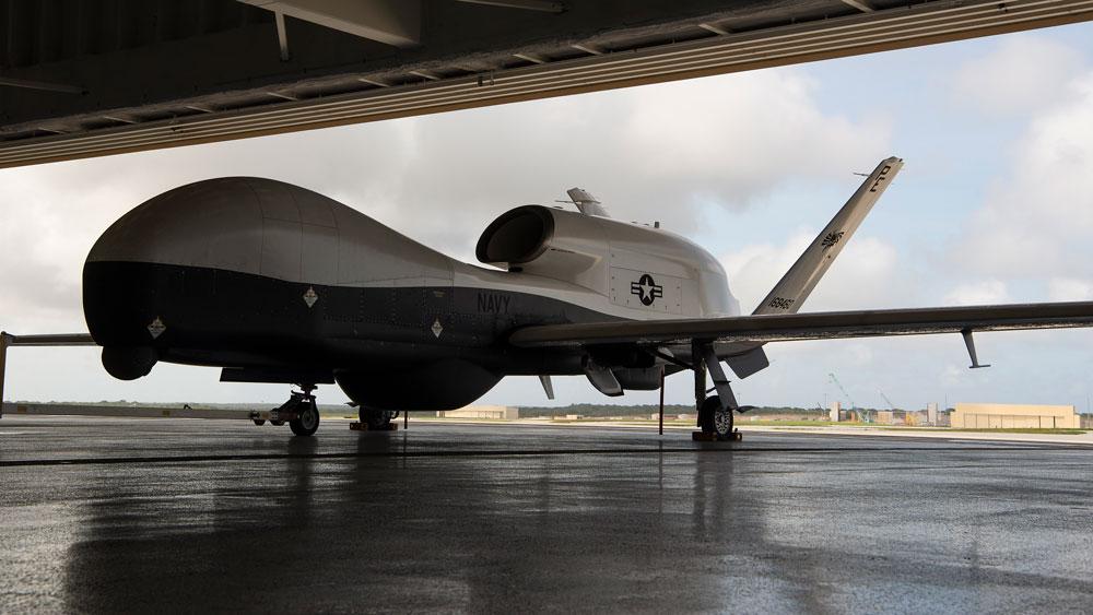 アメリカ海軍無人偵察機MQ-4Cトライトン 第7艦隊に配属