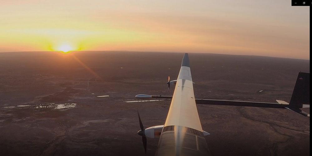 1年間飛び続けられるソーラー無人機「PHASA-35」初飛行に成功