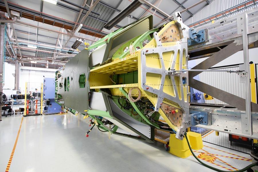 オーストラリア空軍ドローン「ロイヤル・ウィングマン」試作機胴体完成
