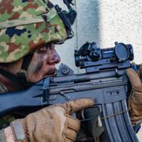 陸上自衛隊水陸機動団とアメリカ海兵隊の共同訓練「アイアンフ…