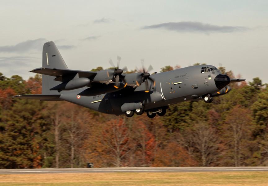 フランス空軍が2機目のKC-130Jを受領 発注分がすべて揃う