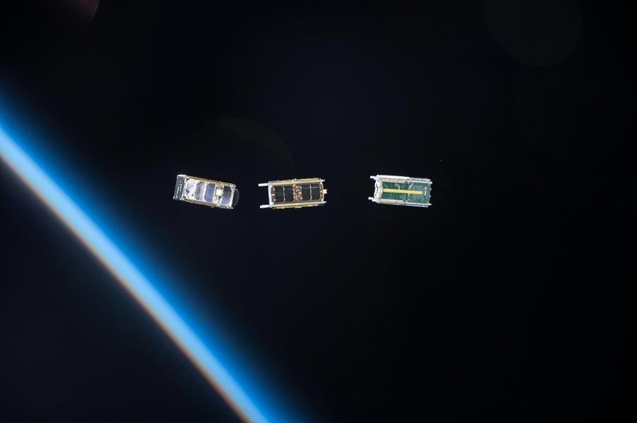 通算100機目の超小型衛星 国際宇宙ステーションから射出